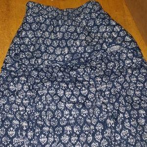 Lane Bryant navy blue and white patterned skirt